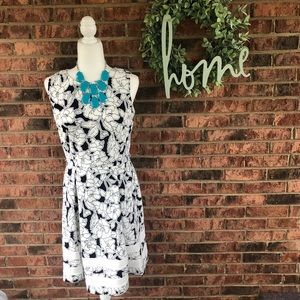 { BELLA ROSE } Blue White Floral A Line Dress